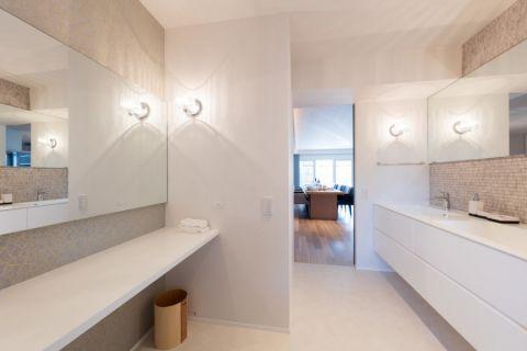 卫生间地板砖现代风格装潢效果图