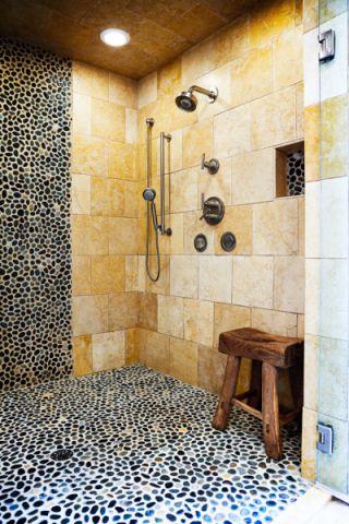 浴室黄色背景墙混搭风格装修图片