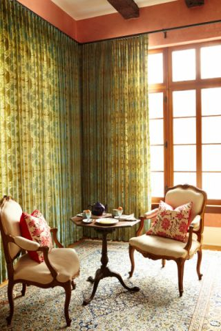 卧室彩色窗帘混搭风格装潢设计图片