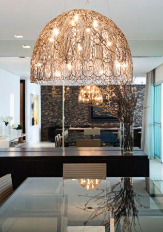 客厅黄色灯具现代风格装饰图片