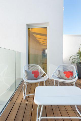 阳台茶几现代风格装潢图片