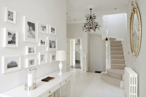玄关照片墙现代风格装潢设计图片
