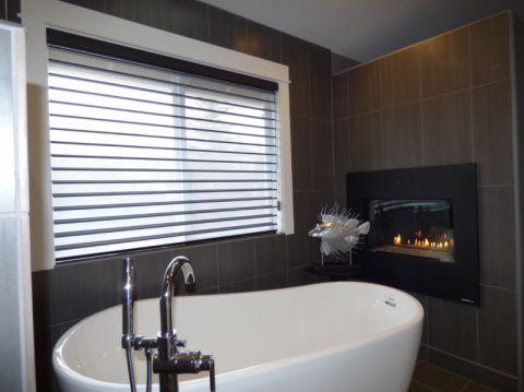 浴室背景墙现代风格装潢图片
