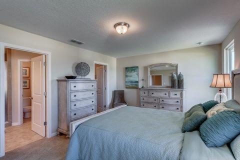 卧室推拉门美式风格装饰效果图