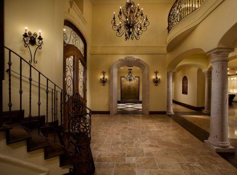 玄关楼梯地中海风格装修设计图片
