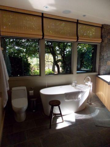 浴室窗帘美式风格装修效果图
