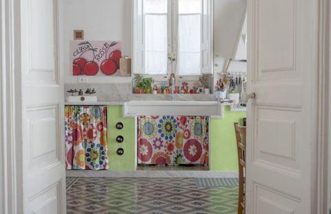 厨房地板砖地中海风格装潢效果图