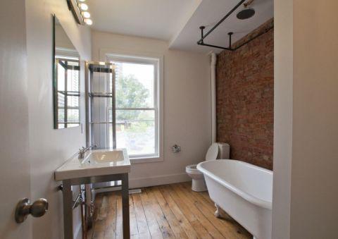 浴室浴缸现代风格装潢效果图