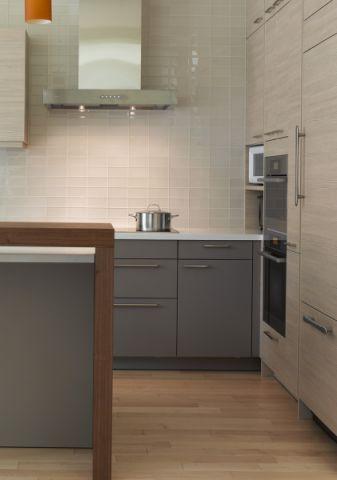 厨房背景墙现代风格装潢设计图片