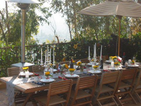 阳台餐桌地中海风格装饰效果图