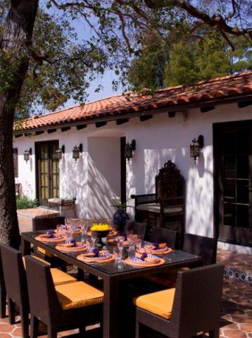 阳台餐桌地中海风格装潢效果图