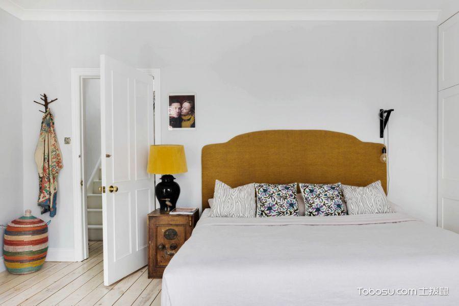 卧室咖啡色床头柜混搭风格装潢设计图片