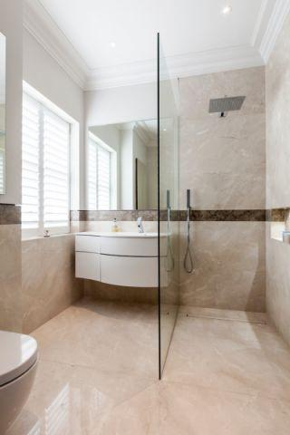 浴室隔断现代风格装修图片