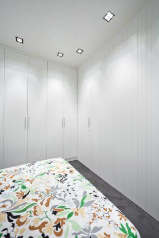 卧室衣柜现代风格装饰效果图