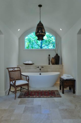 浴室浴缸地中海风格装潢图片