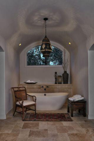 浴室浴缸地中海风格装潢效果图