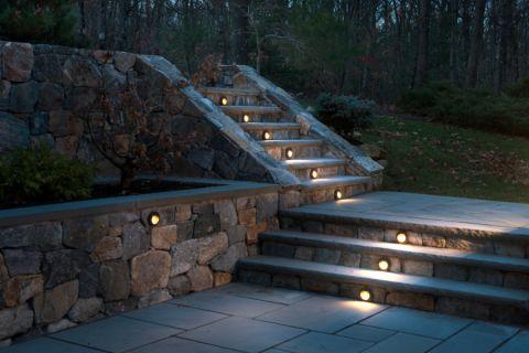 花园楼梯美式风格装潢图片