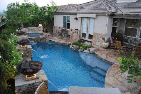 花园泳池美式风格装潢效果图