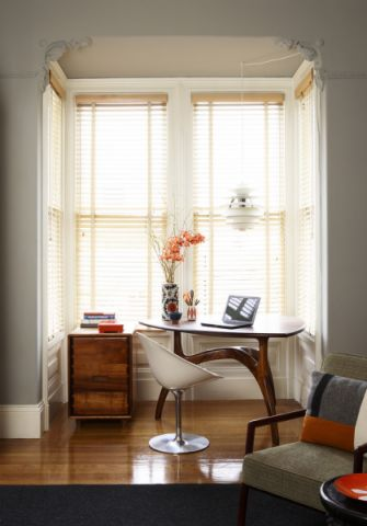 卧室书桌现代风格装饰图片