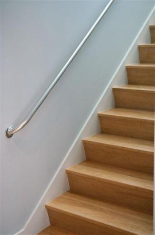 地下室楼梯现代风格装饰效果图