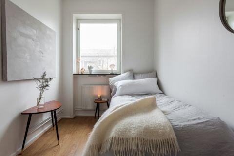 卧室窗台北欧风格装饰图片