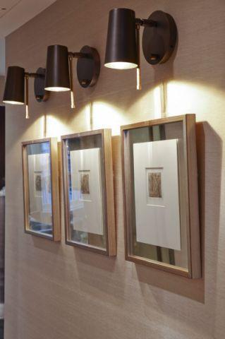 玄关照片墙现代风格装饰图片
