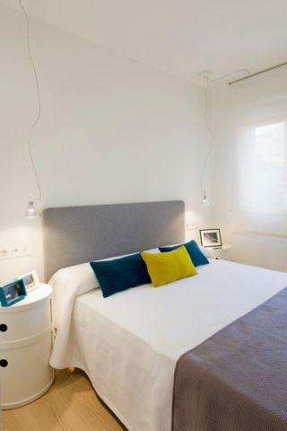 卧室床北欧风格装修图片