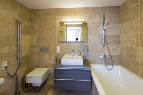 现代风格一居室90平米装修图片