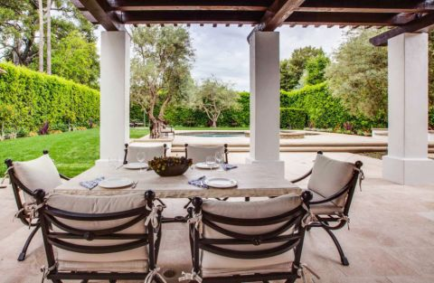 阳台餐桌地中海风格装修图片