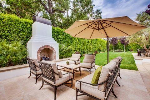 花园茶几地中海风格装修设计图片