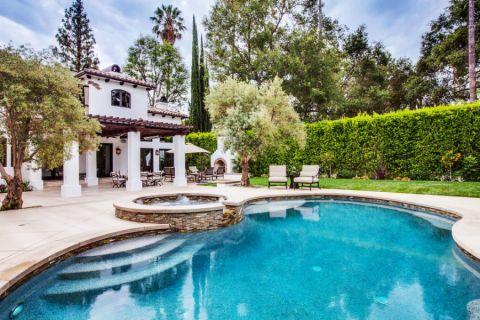 花园泳池地中海风格装饰设计图片