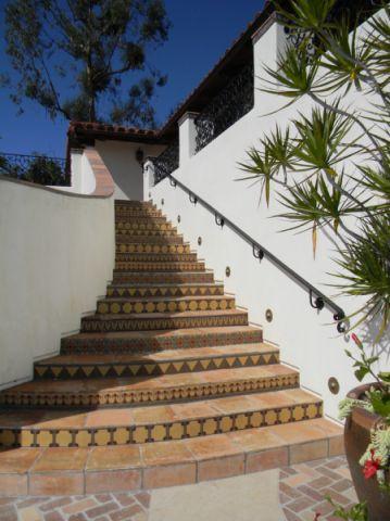 玄关楼梯地中海风格效果图