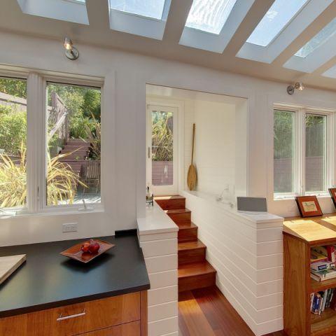 厨房走廊现代风格装修设计图片
