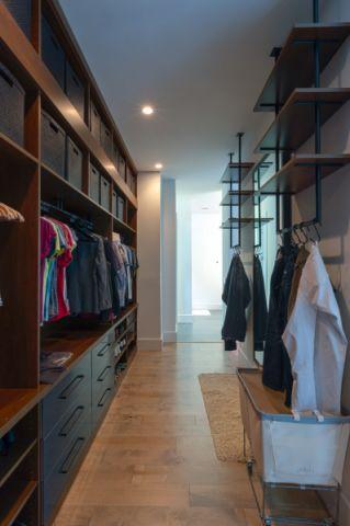 衣帽间衣柜现代风格装修图片