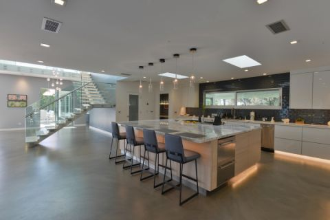 厨房楼梯现代风格装饰效果图