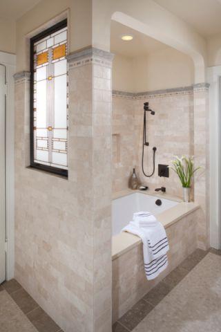 浴室浴缸混搭风格装饰设计图片