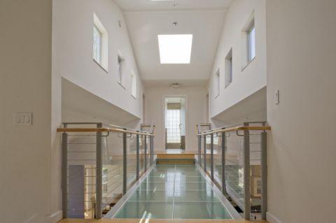 卫生间走廊现代风格装修效果图