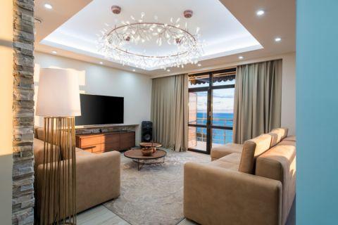 115平米三居室现代风格装修图片