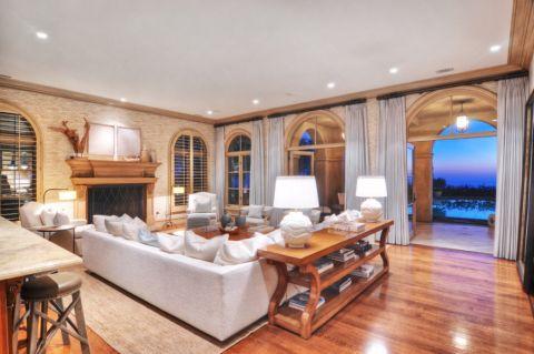 客厅窗帘地中海风格装潢效果图
