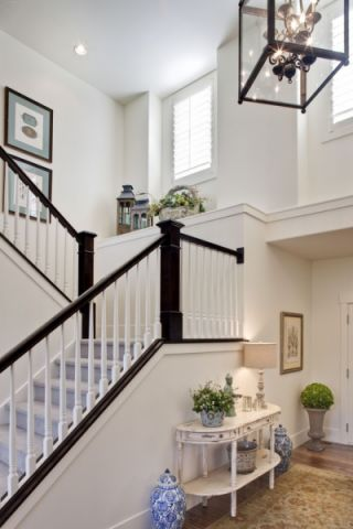 玄关楼梯美式风格效果图
