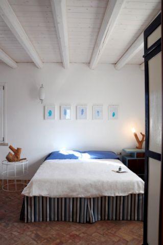 卧室照片墙地中海风格装饰图片