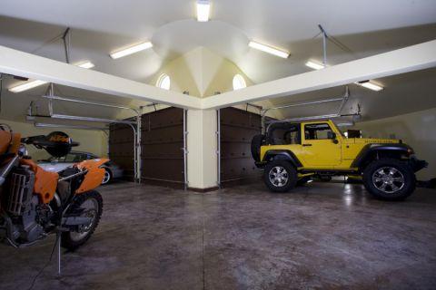 车库吊顶地中海风格装饰设计图片