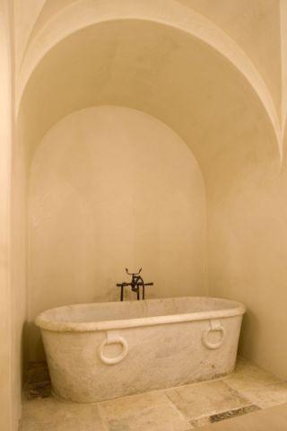 浴室浴缸地中海风格效果图