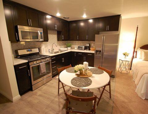 厨房餐桌混搭风格装修效果图