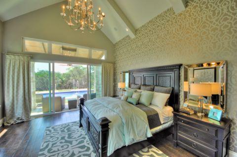 卧室背景墙现代风格装饰设计图片