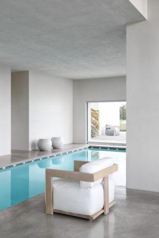 花园泳池现代风格装潢效果图