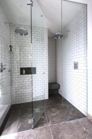 浴室地砖美式风格装潢效果图
