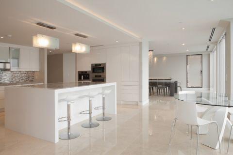 厨房现代风格效果图大全2017图片_土拨鼠温馨创意厨房现代风格装修设计效果图欣赏