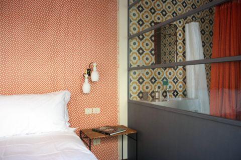 卧室隔断现代风格装修图片