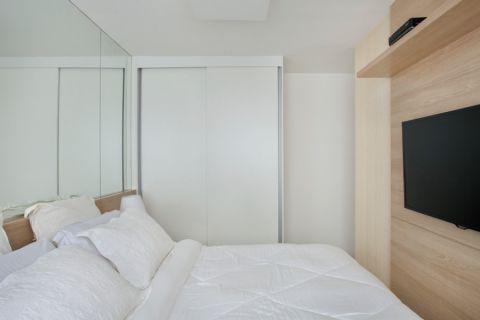 卧室衣柜现代风格装修设计图片